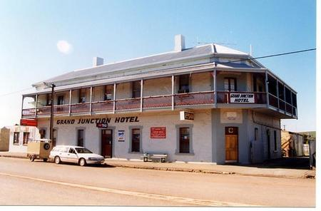Grand Junction Hotel - Accommodation Port Macquarie