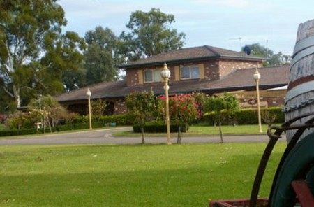 Carriage House Motor Inn - Accommodation Port Macquarie