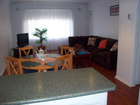 AA Madalena Court Holiday Apartments - Accommodation Port Macquarie