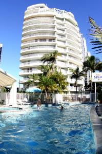 Surfers Mayfair - Accommodation Port Macquarie