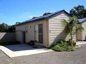 Moonta Bay Cabins - Accommodation Port Macquarie