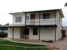 Louth Bay Holiday Apartment - Accommodation Port Macquarie