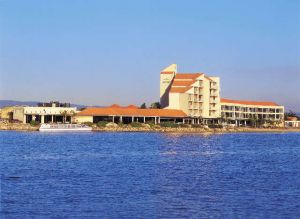 The Lakes Resort Hotel - Accommodation Port Macquarie