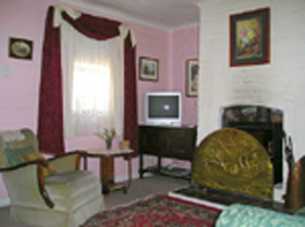 Hollyhock Cottage - Accommodation Port Macquarie