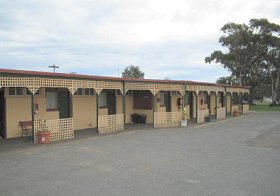 Central Court Motel - Accommodation Port Macquarie