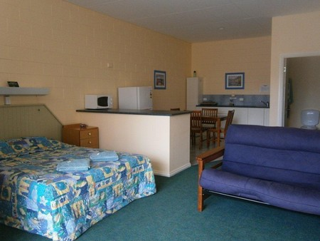 Penguin Holiday Apartments - Accommodation Port Macquarie