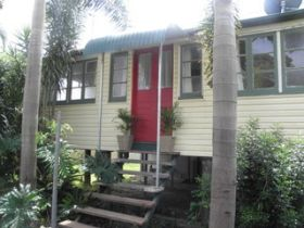 The Red Ginger Bungalow - Accommodation Port Macquarie