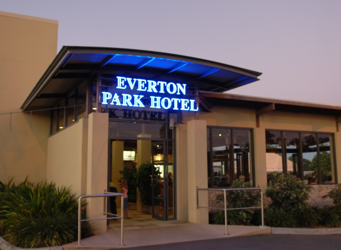 Everton Park Hotel - Accommodation Port Macquarie