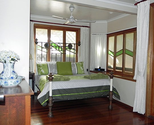 Airlie Waterfront Bed And Breakfast - Accommodation Port Macquarie