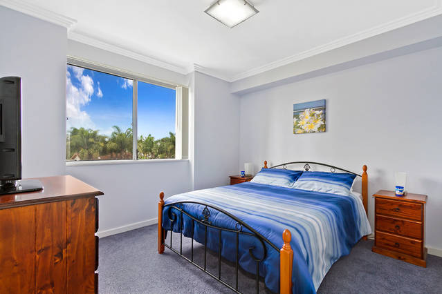 Lakeside Waterfront Apartment 18 - Accommodation Port Macquarie
