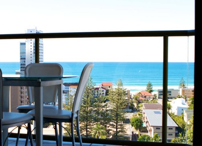 Surfers Hawaiian - Accommodation Port Macquarie
