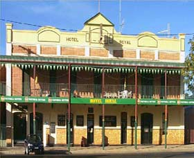 Royal Hotel Coonabarabran - Accommodation Port Macquarie