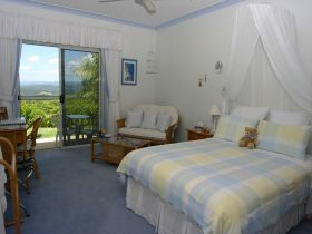 Ninderry Manor Luxury Retreat BampB - Accommodation Port Macquarie