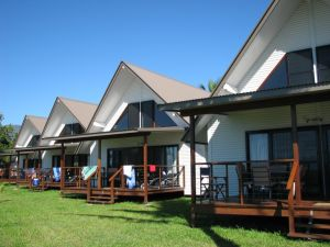 Cardwell Beachcomber Motel  Tourist Park - Accommodation Port Macquarie