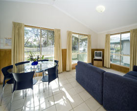 Swan Lake Holiday Park - Accommodation Port Macquarie