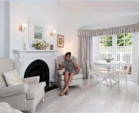 White Dove Cottage Bed and Breakfast - Accommodation Port Macquarie
