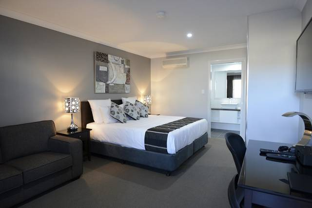 Aastro Dish Motor Inn - Accommodation Port Macquarie