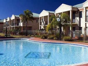 Country Comfort inter City Hotel  Apartments - Accommodation Port Macquarie