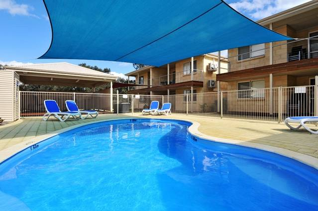Lakeside Holiday Apartments - Accommodation Port Macquarie