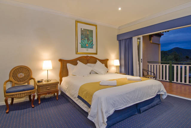 Tinaroo Lake Resort - Holiday Apartments - Accommodation Port Macquarie