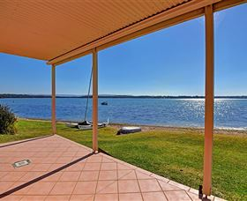 Luxury Waterfront House - Accommodation Port Macquarie