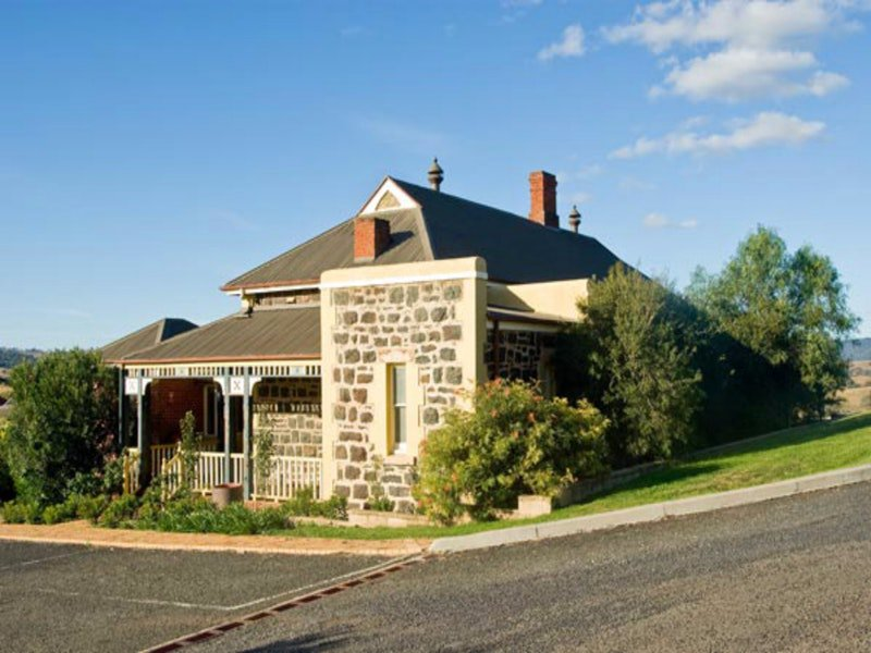 Hermitage Hill Resort - Accommodation Port Macquarie