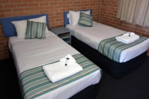 The Oaks Hotel Motel  - Accommodation Port Macquarie