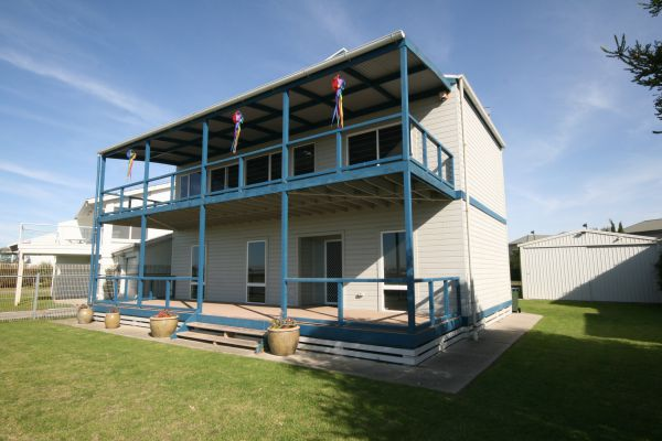 LJ Hooker Goolwa Holiday Rentals - 25 Barrage Road, Goolwa South