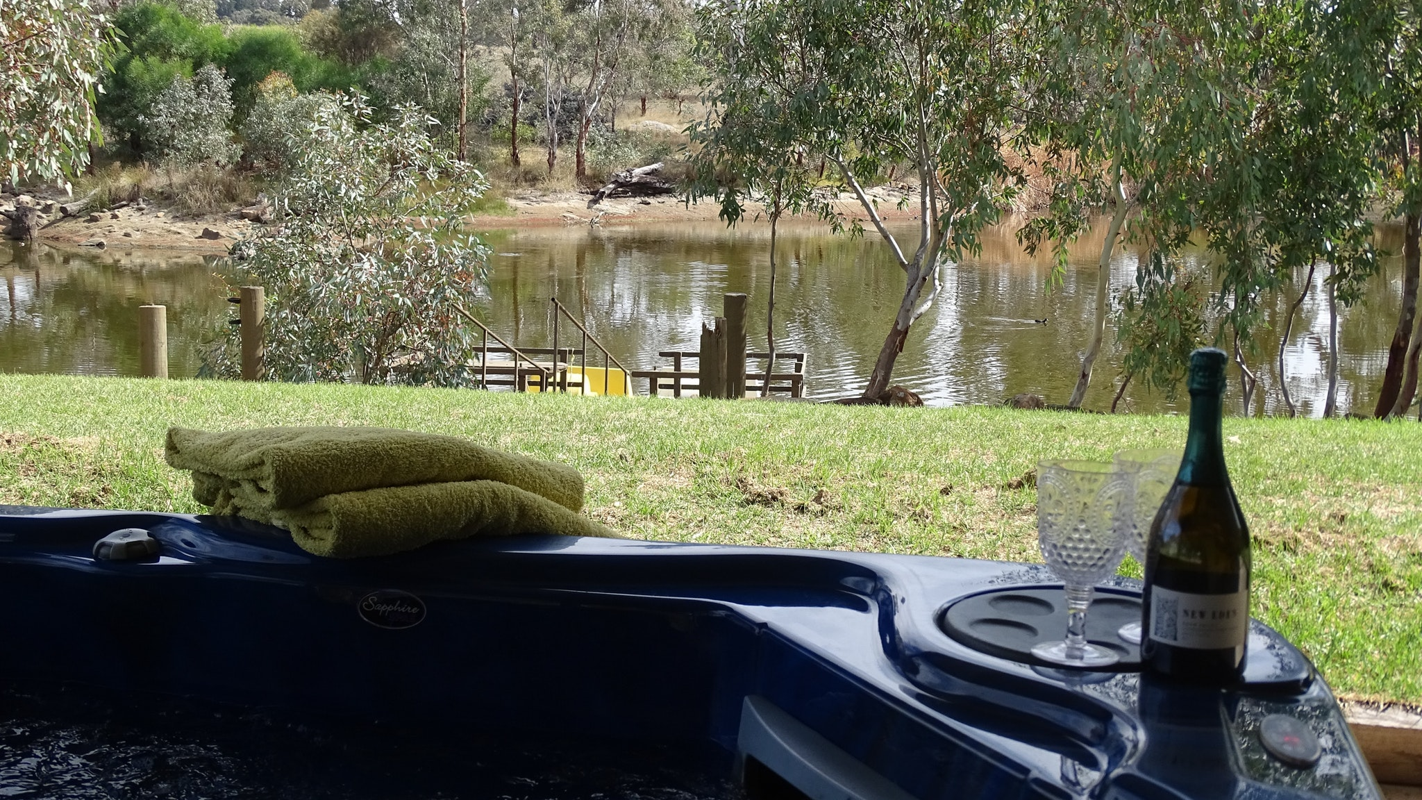Jandas Lake View - Accommodation Port Macquarie