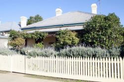 Florennes Heritage Cottage - Accommodation Port Macquarie