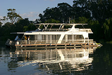 Whitewater Houseboat - Accommodation Port Macquarie