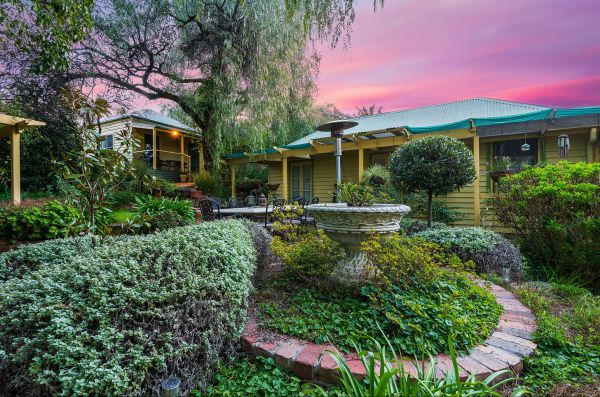 Bendigo Cottages Bed And Breakfast - Accommodation Port Macquarie