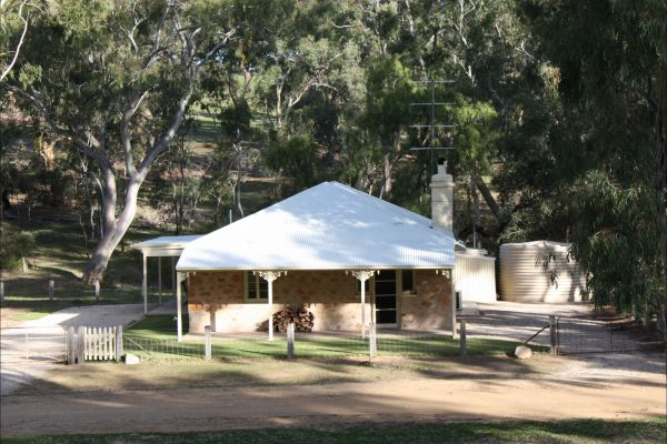 Hughes Park Cottage & Weddings - Accommodation Port Macquarie