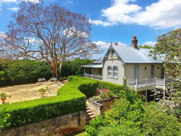 Plynlimmon: The Cottage at Kurrajong
