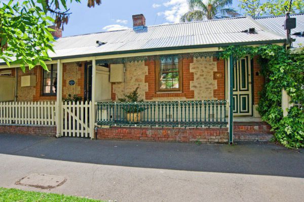 The Lion Cottage - Accommodation Port Macquarie