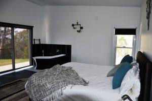 Hickory Moon - Accommodation Port Macquarie