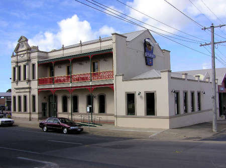 Mitchell River Tavern - Accommodation Port Macquarie