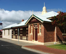 Artgeo Cultural Complex - Old Courthouse - Accommodation Port Macquarie