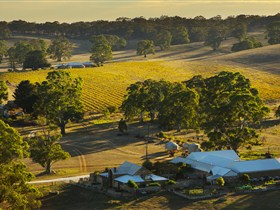 Hutton Vale and Farm Follies - Accommodation Port Macquarie