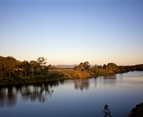 Lake Wivenhoe - Accommodation Port Macquarie