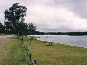Storm King Dam - Accommodation Port Macquarie