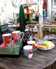 The Famous Tinonee Cafe and Gift Shop - Accommodation Port Macquarie