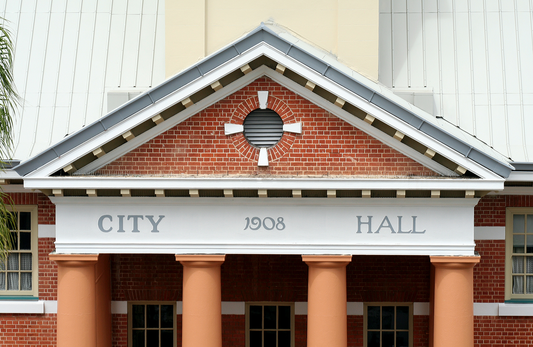 Maryborough City Hall - Accommodation Port Macquarie