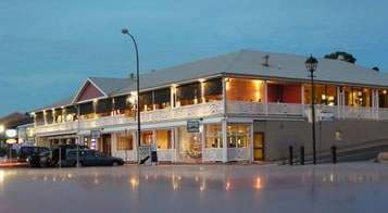 Seacliff Beach Hotel - Accommodation Port Macquarie