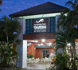 Runaway Bay Tavern - Accommodation Port Macquarie