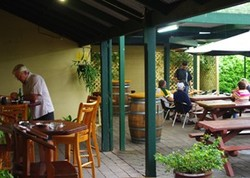 Bird In Hand Inn - Accommodation Port Macquarie