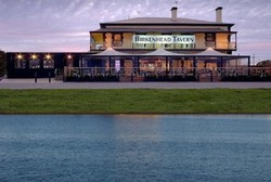 Birkenhead Tavern - Accommodation Port Macquarie