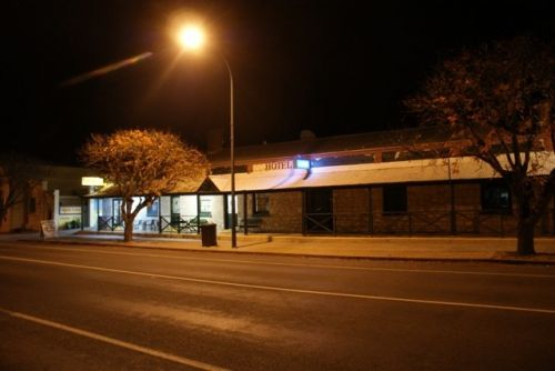 Riverton Hotel - Accommodation Port Macquarie