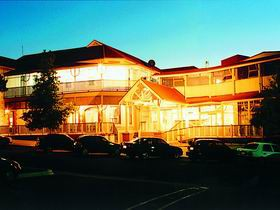 Loxton Community Hotel Motel - Accommodation Port Macquarie