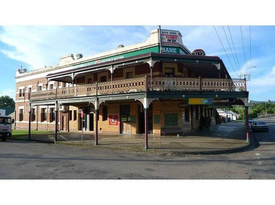 Bank Hotel Dungog - Accommodation Port Macquarie